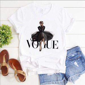 """Super chic white """"Vogue"""" tee shirt"""